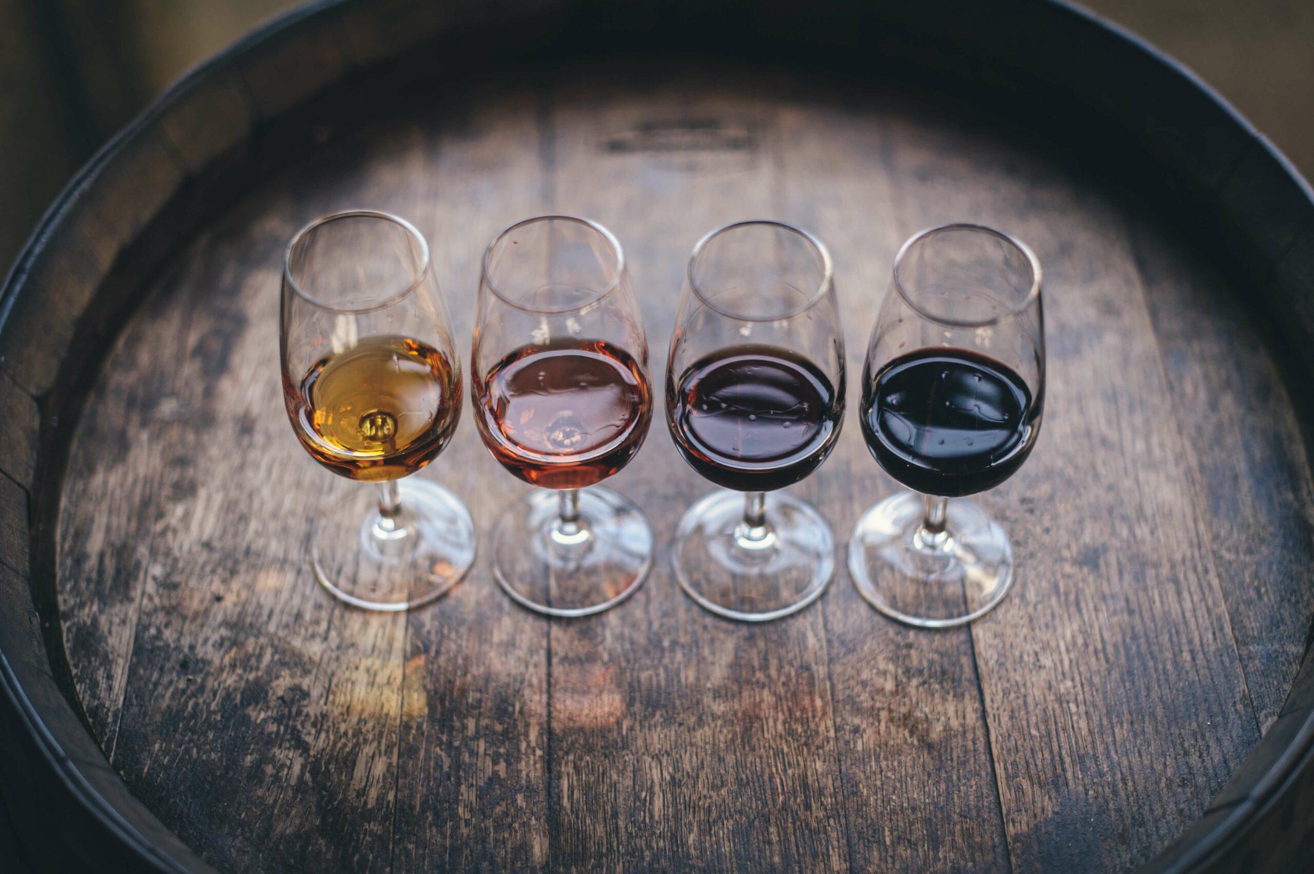 Weinprobe für das erste Date